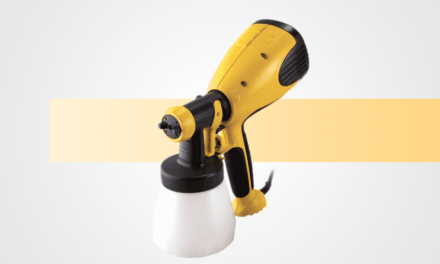 Best Sprayer for Staining a Fence Guide & Complete Reviews 2021